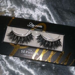 Lilly lashes Miami